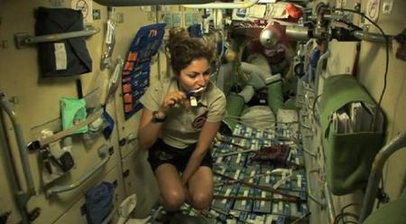 spacetourist1.jpg